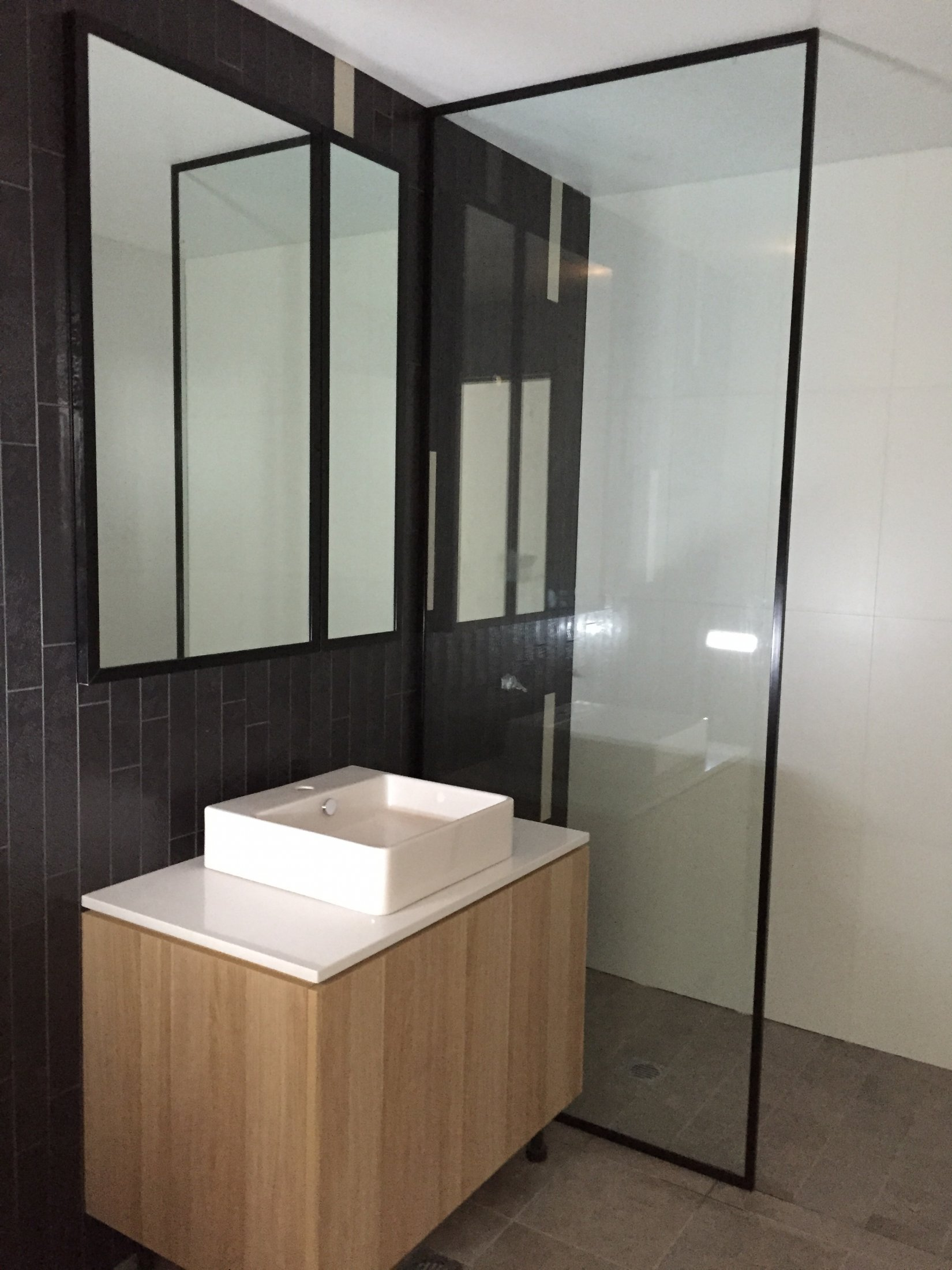 Awesome Custom Fully Framed 10mm Panel Showerscreen   Epping