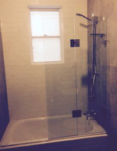 "Frameless ""Fix & Swing"" Shower On Bath - Lane Cove"