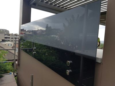 Custom 12mm Grey Glass Privacy Screen - Dover Heights