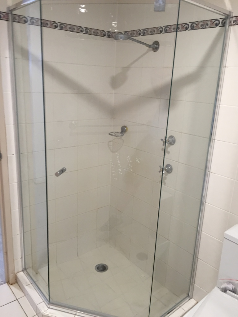 Custom 6mm 3 Sided Splayed Semi Frameless Showerscreen - Rhodes ...